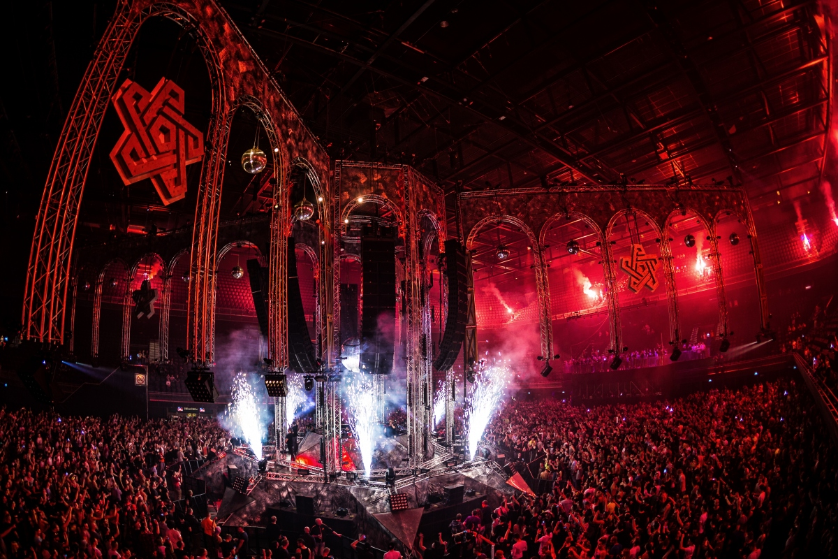 QAPITAL op 2 april 2016 in de Ziggo Dome
